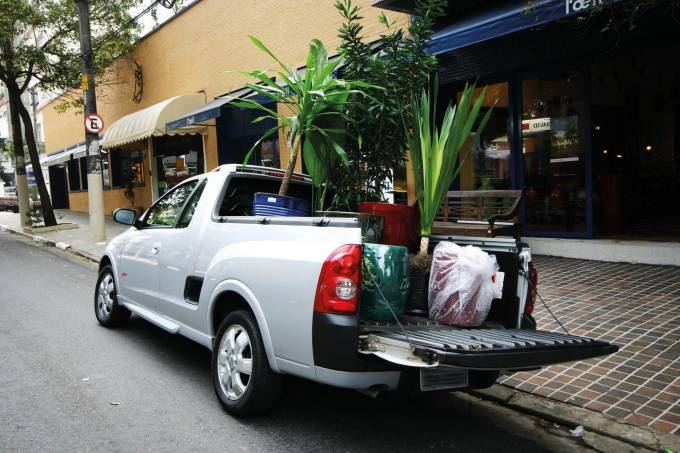 Picape Montana Flex 1.8, modelo da Chevrolet em teste de capacidade de carga da1