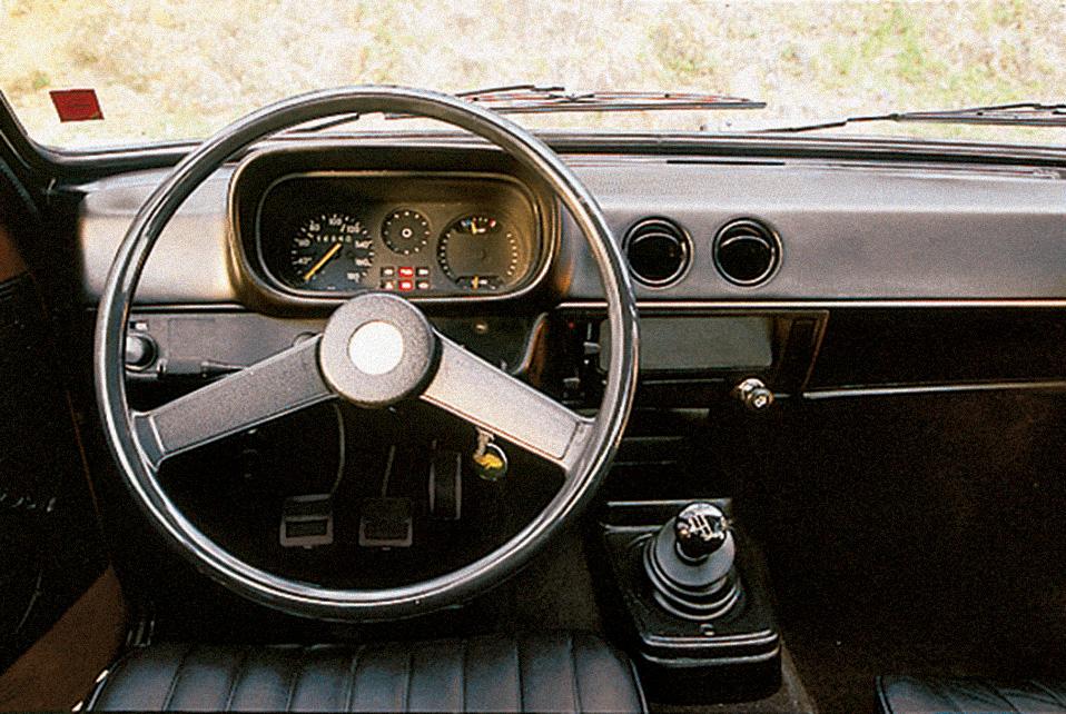 Painel do Chevette, da Chevrolet, automóvel testado pela Revista Quatro Rodas.