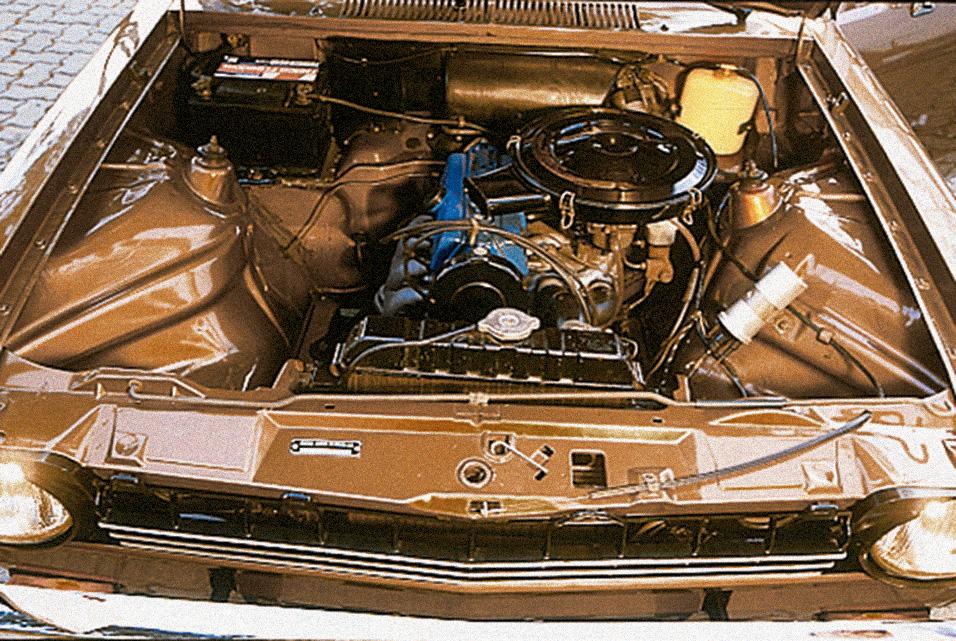 Motor do Chevette, da Chevrolet, automóvel testado pela Revista Quatro Rodas.