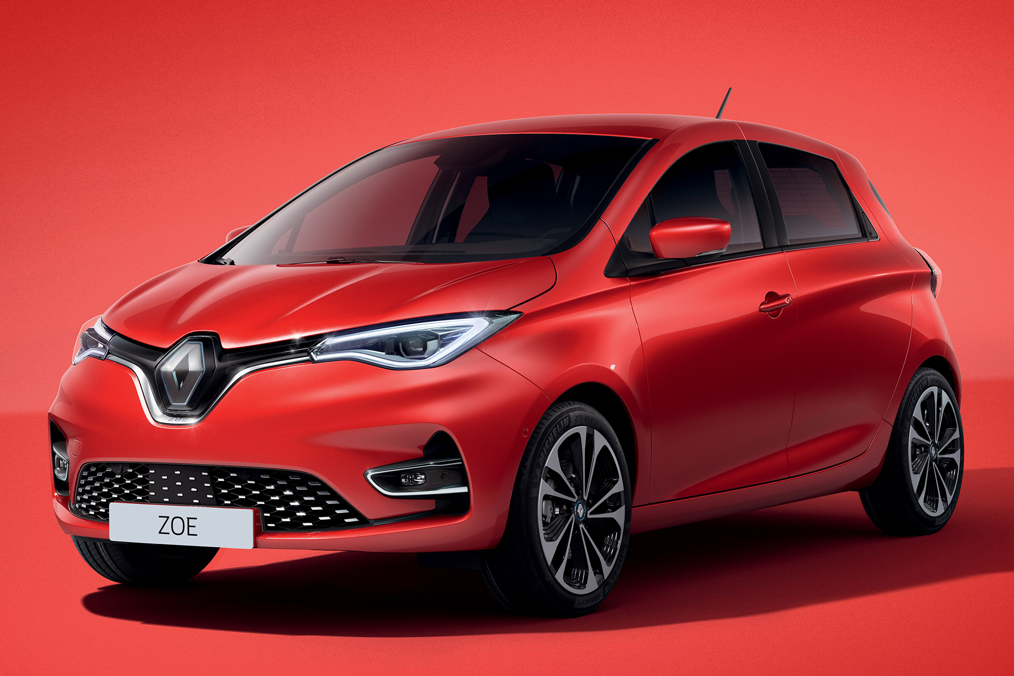 Renault Zoe Intense, na cor vermelho Flamme