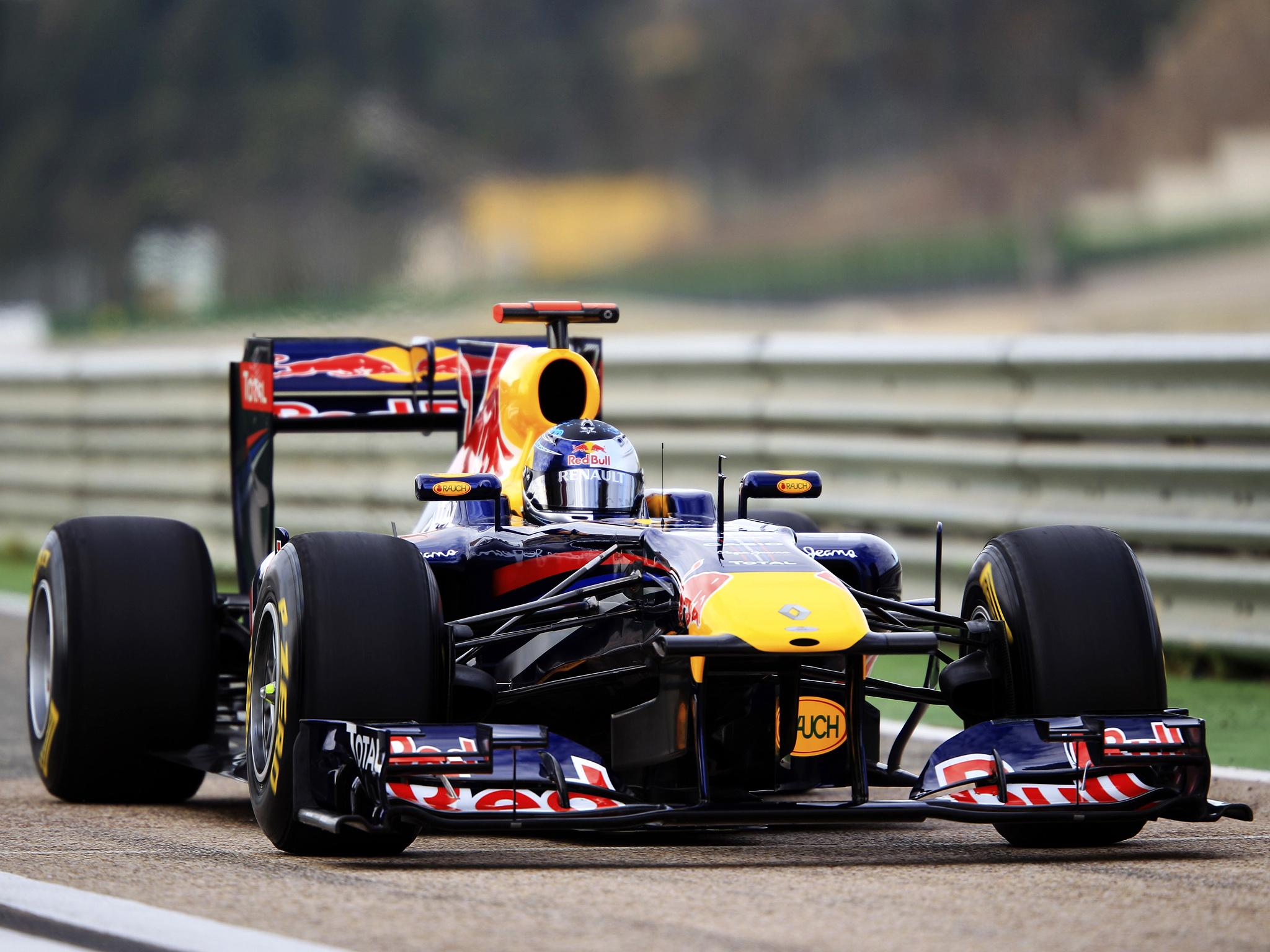 RB7 de Vettel em valência na espanha