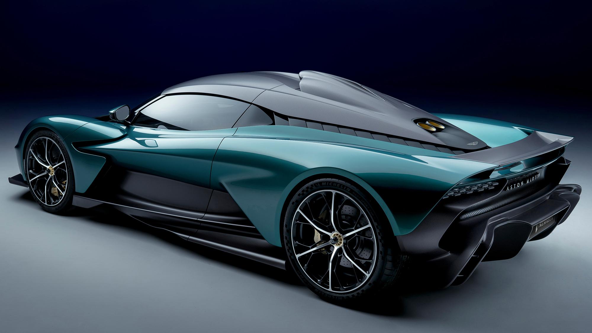 Aston Martin Valhalla visto 3/4 de trás