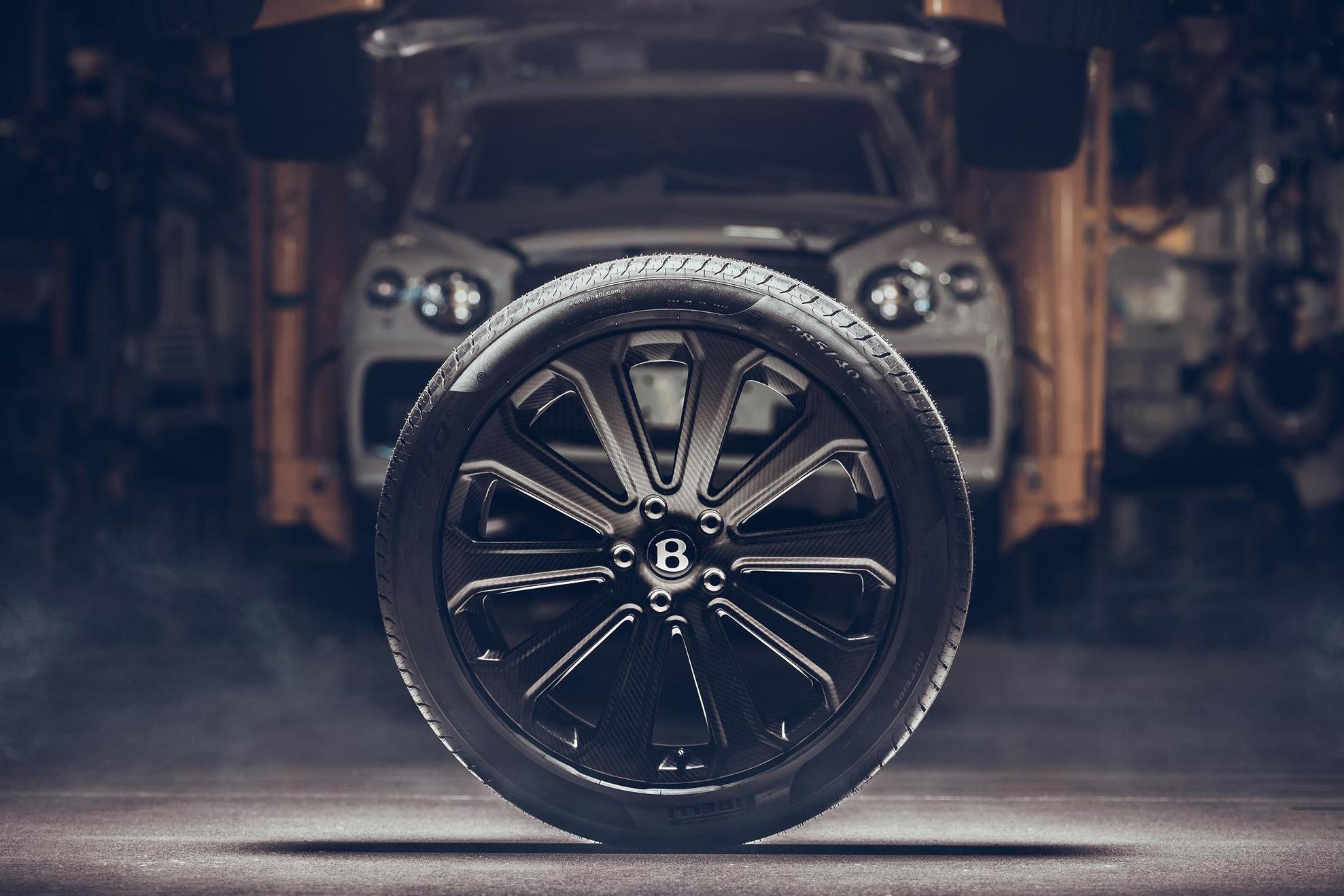 Roda de 22 poelgadas do Bentley Bentayga