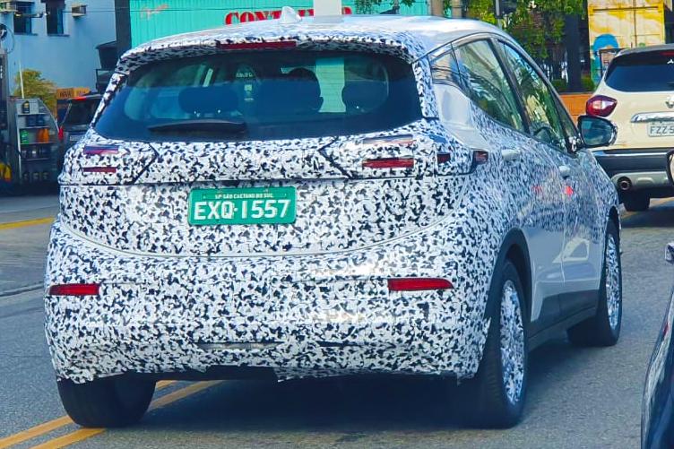 Chevrolet Bolt EV flagrado próximo à fábrica de São Caetano do Sul (SP)