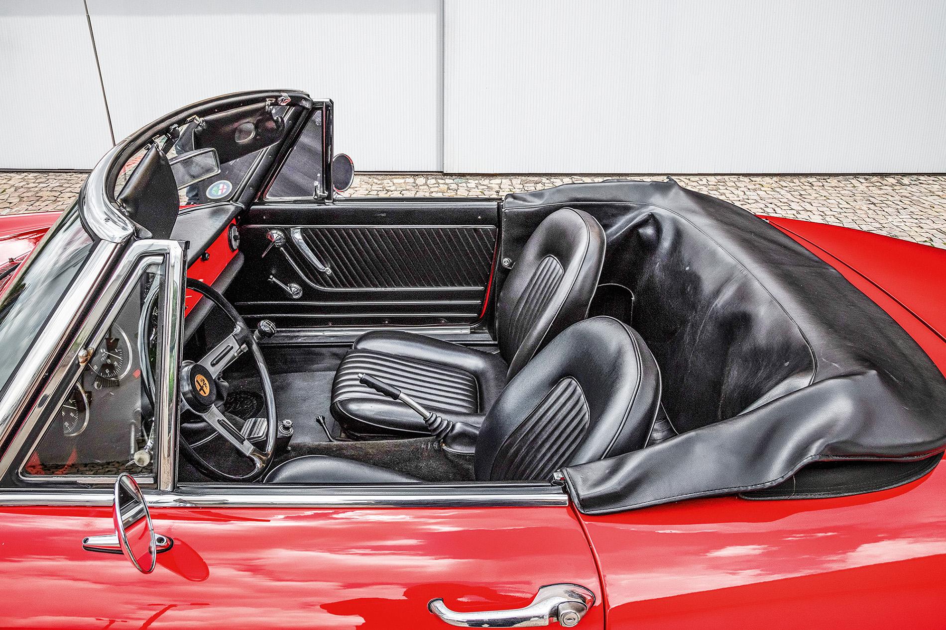 lateral Alfa Romeo Spider 66