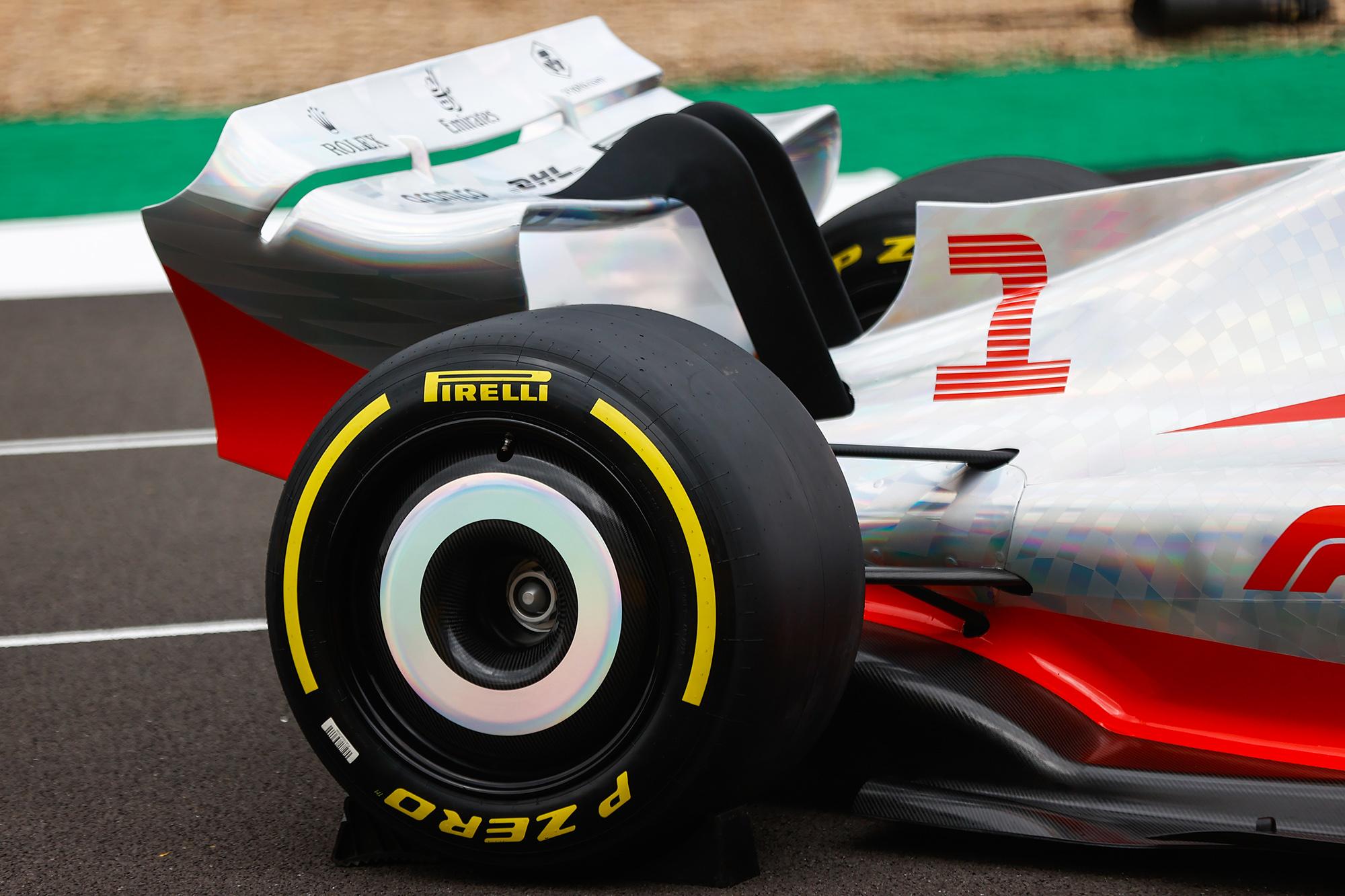 Pneu do carro-conceito da F1 para 2022