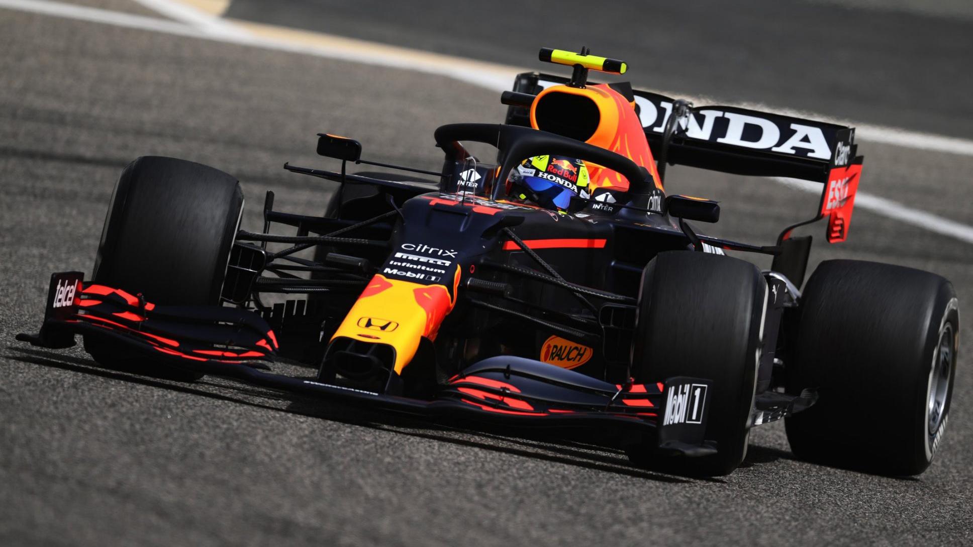 Red Bull de Sergio Pérez vista de frente