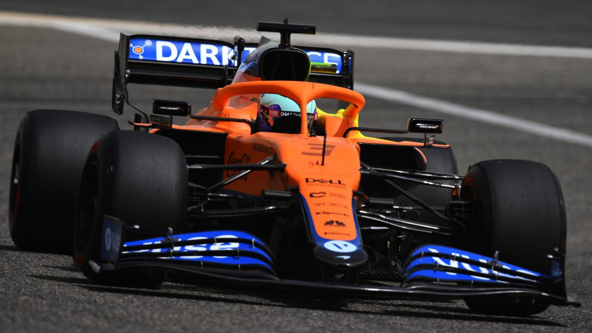 McLaren de Daniel Ricciardo vista de frente