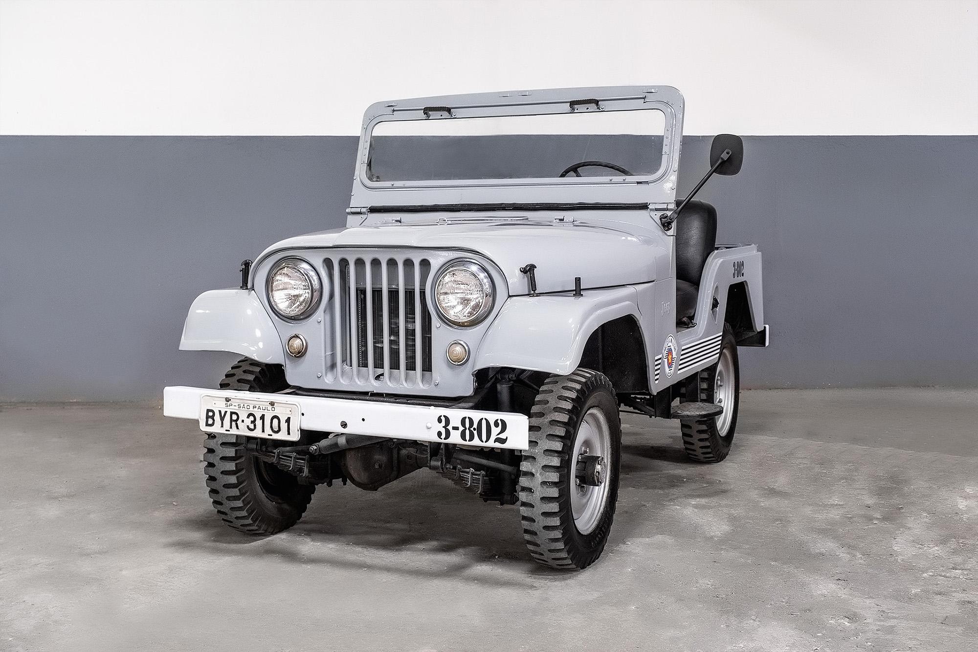 Viatura Jeep Willys da PM