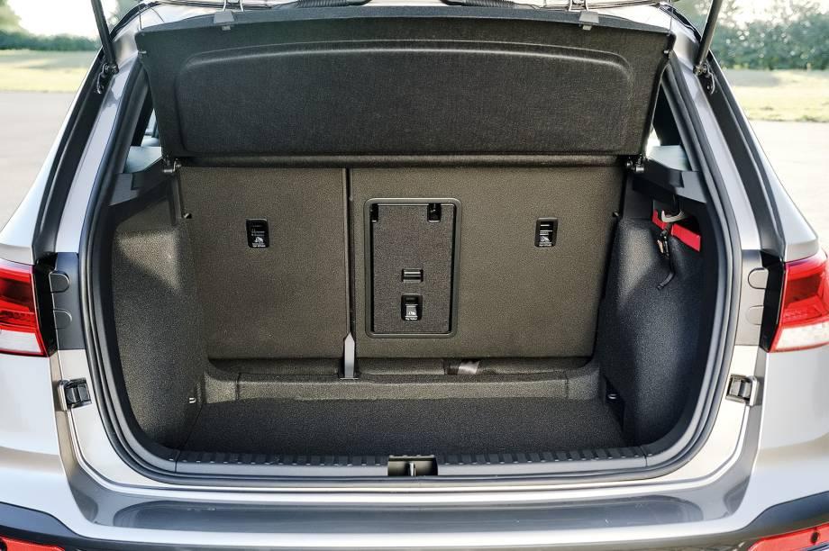 Porta-malas de 498 litros é o maior entre os três modelos