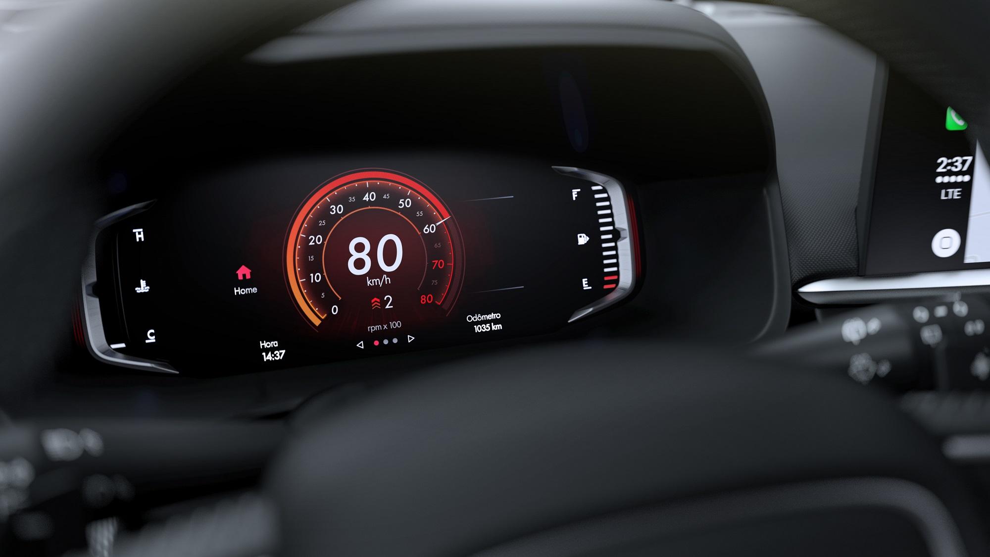 Quadro digital é o mesmo da Fiat Toro, mas com grafismos novos e estética mais urbana