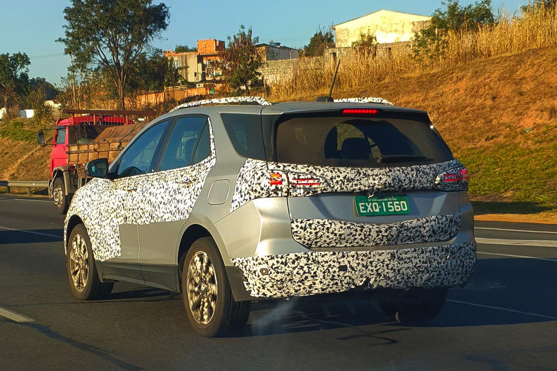 Nova Chevrolet Equinox Premier 2022 flagrada no interior de São Paulo