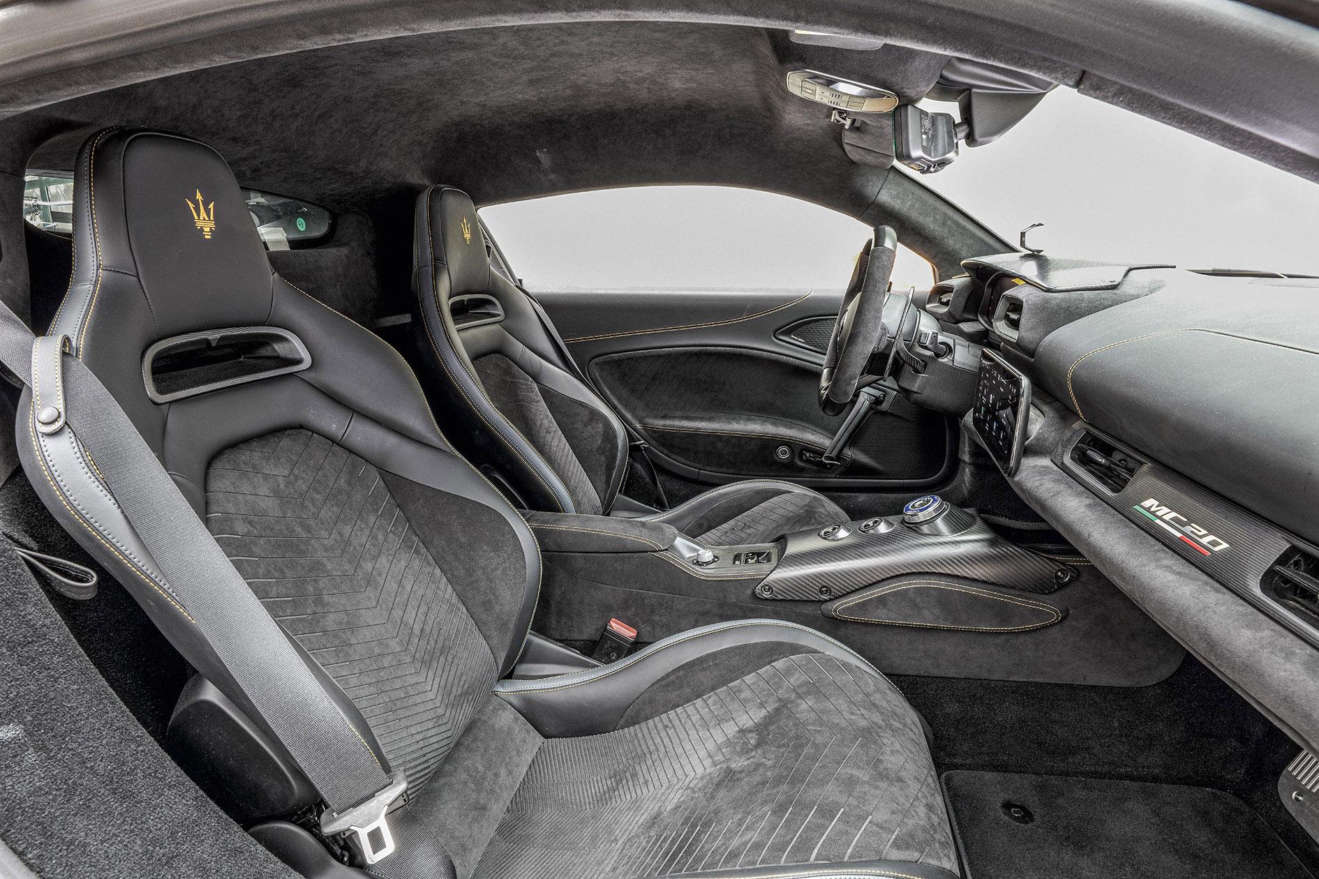 Bancos do Maserati MC20