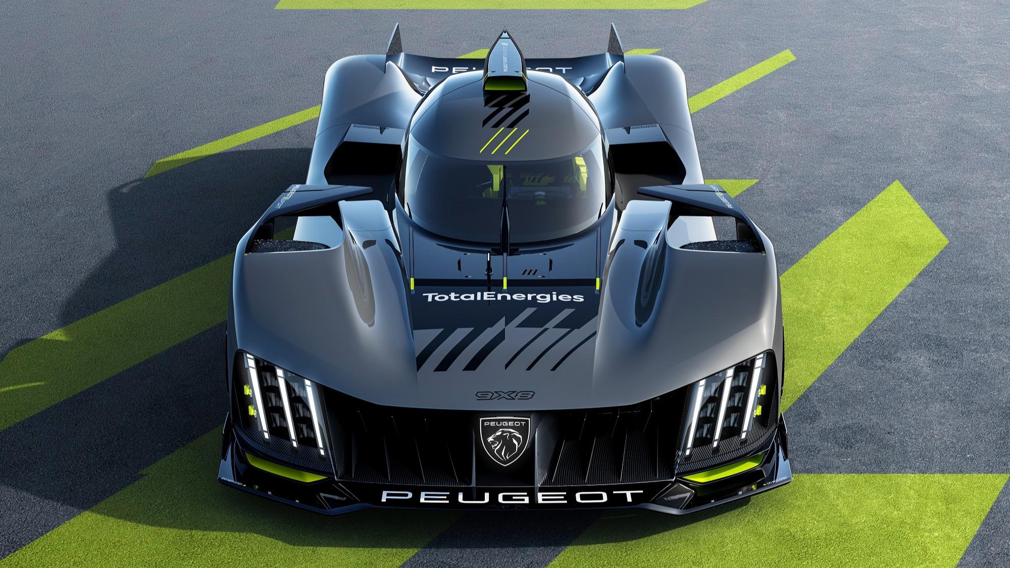 Peugeot 9X8 cinza visto de frente