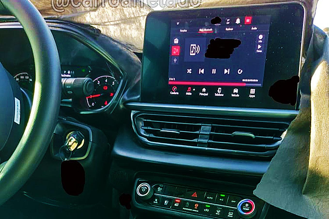 Painel do novo Fiat Pulse MT, que terá câmbio manual e motor 1.3
