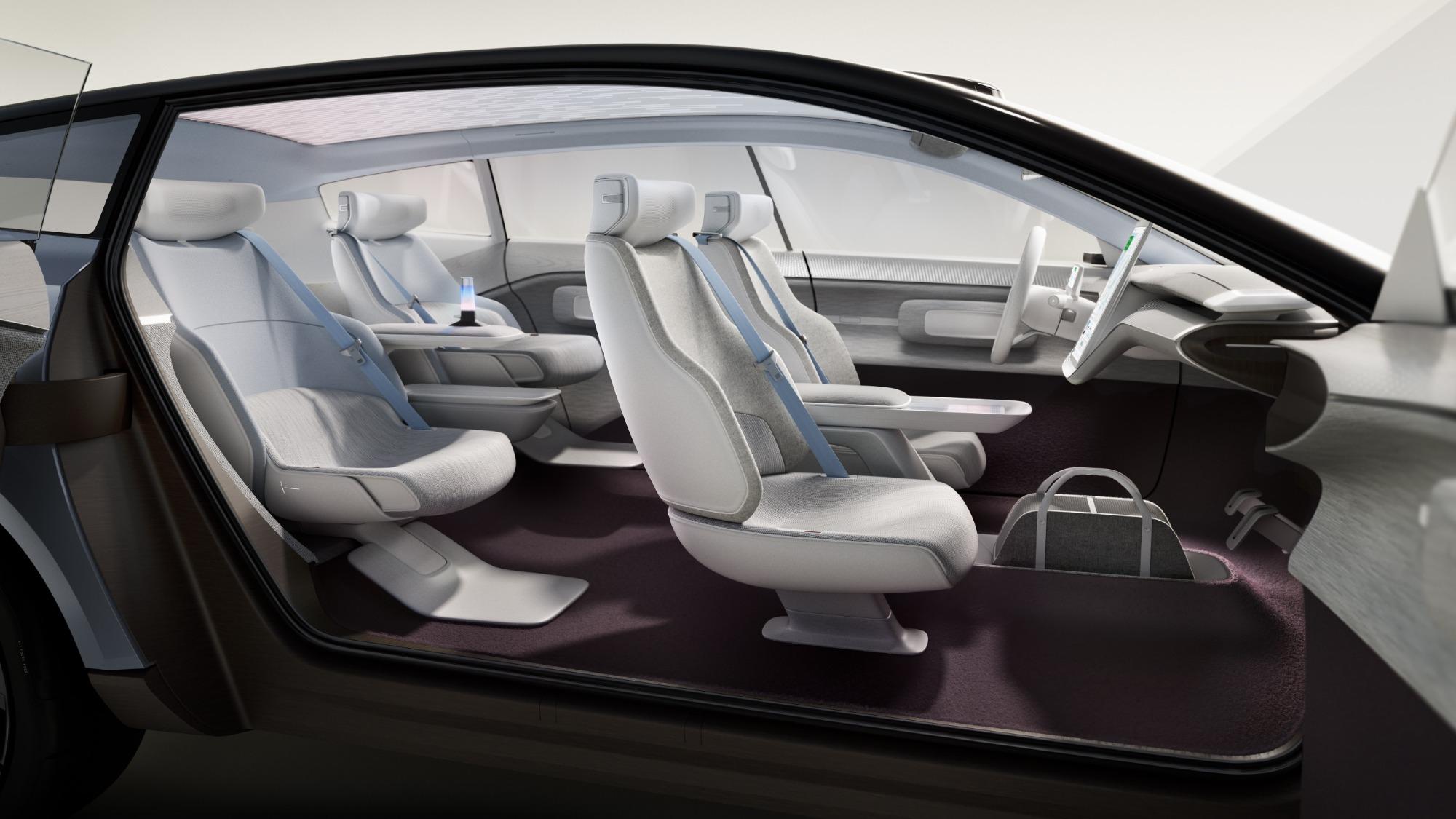 Conceito interno do Volvo Recharge visto de lado