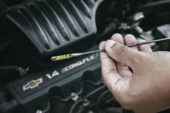 Vareta de medir o óleo do Agile 1.4 ano 2010 da Chevrolet, que começou a vazer p