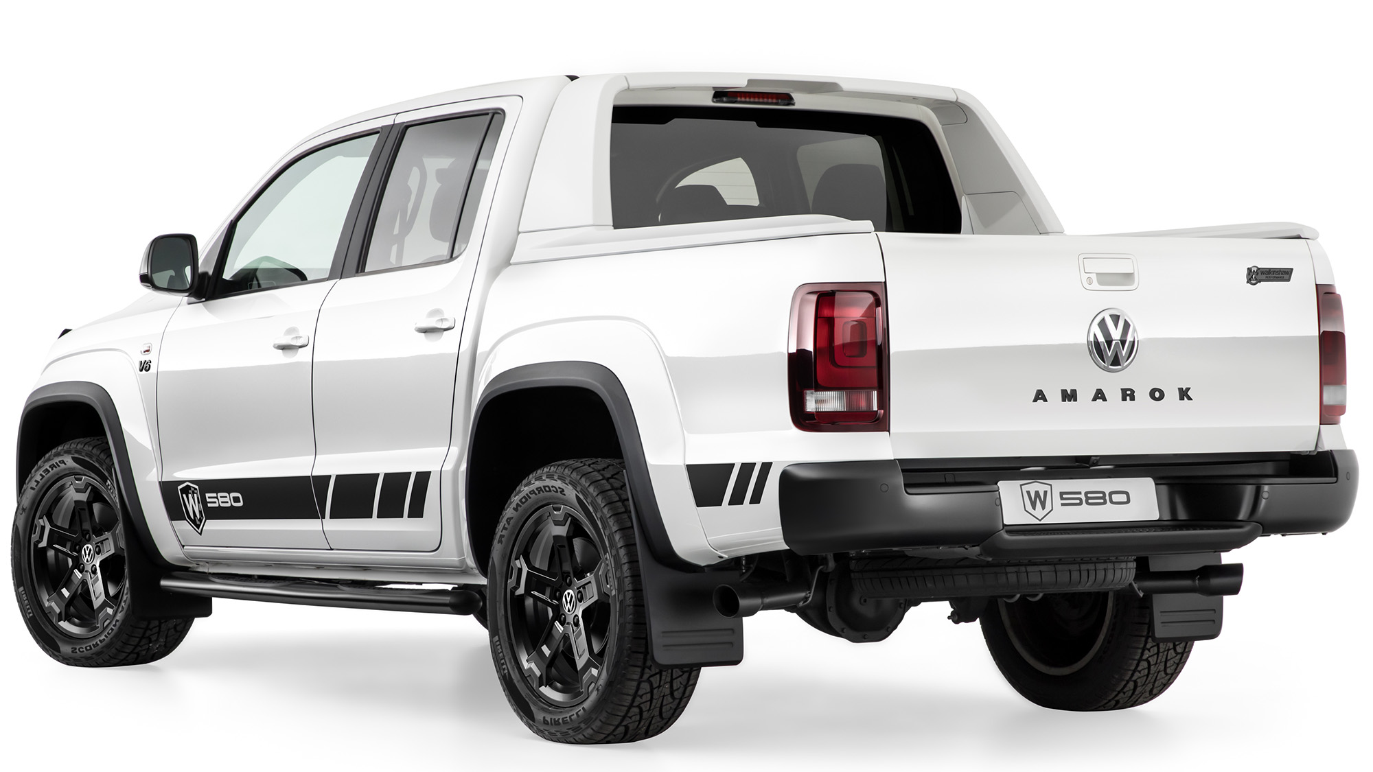 Press images and footage provided depicts an Amarok W580 pre-production prototype.