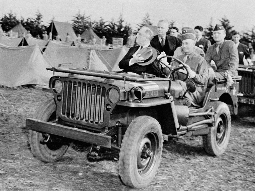 Franklin Delano Roosevelt em um Willys MB