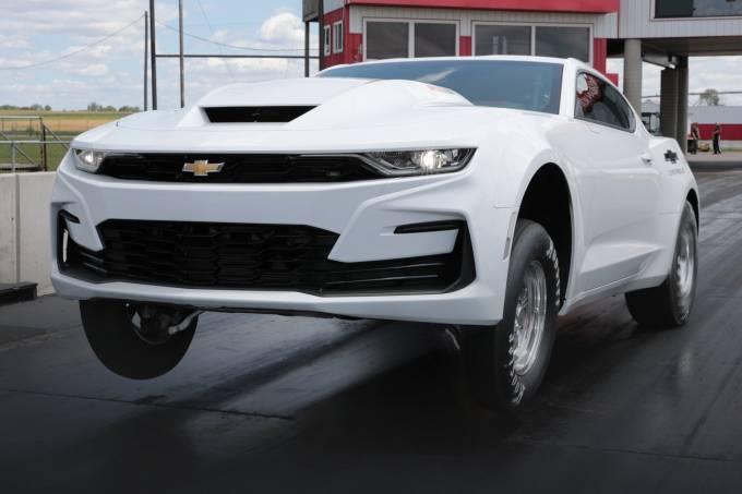 2022-Chevrolet-COPO-Camaro-2-1