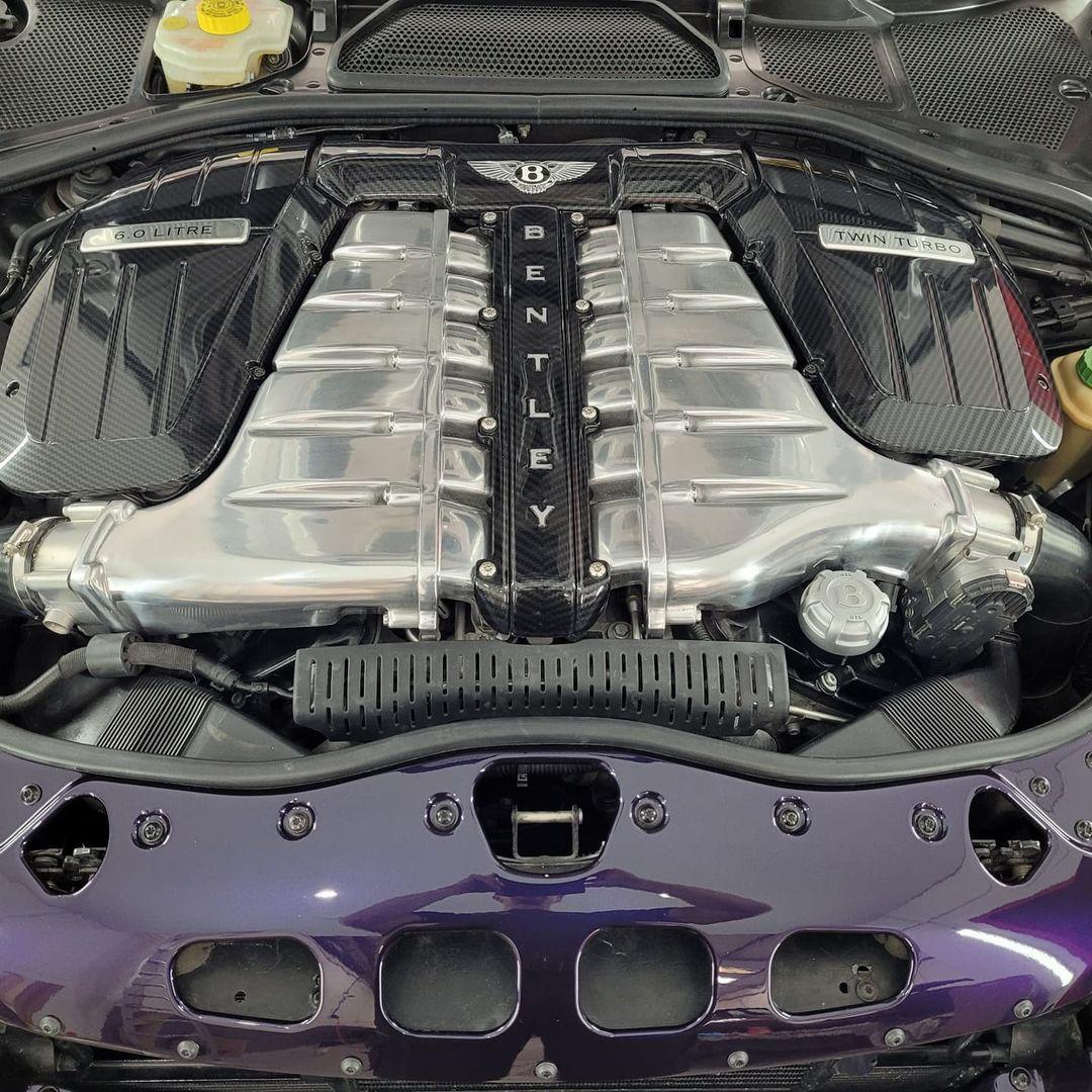 motor Bentley picape