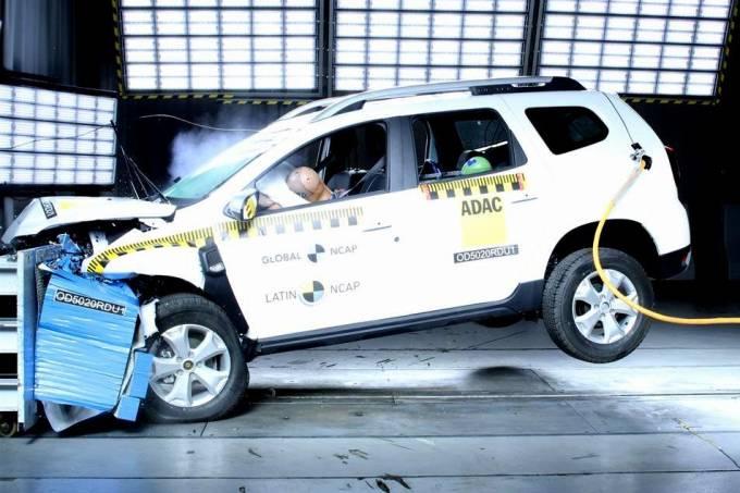 Latin NCAP Renault Duster 2021 teste de colisão