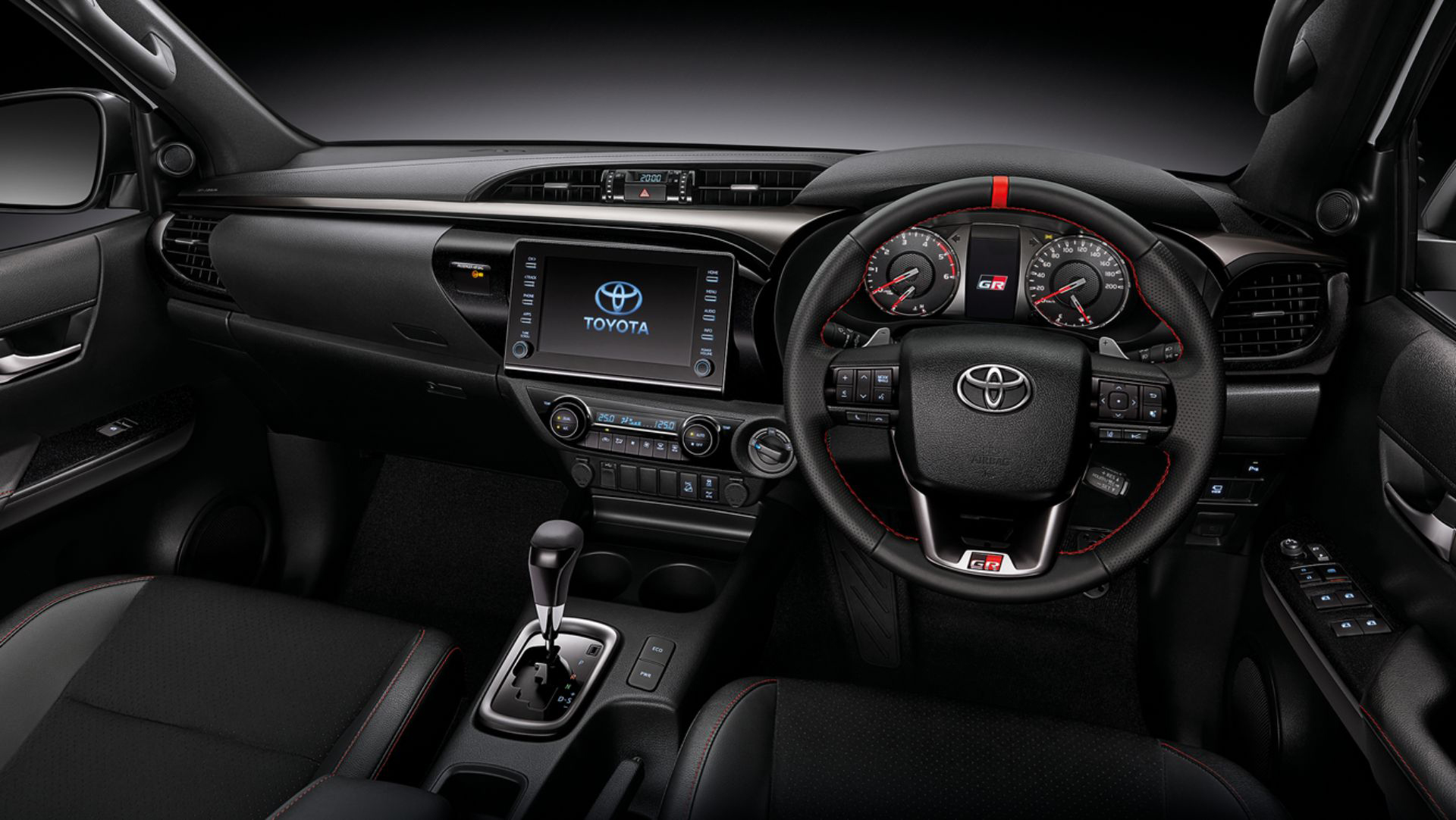 Interior da Toyota Hilux Revo GR Sport
