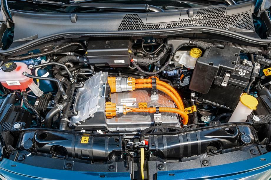 O motor do 500e entrega 118 cv e 22,4 kgfm