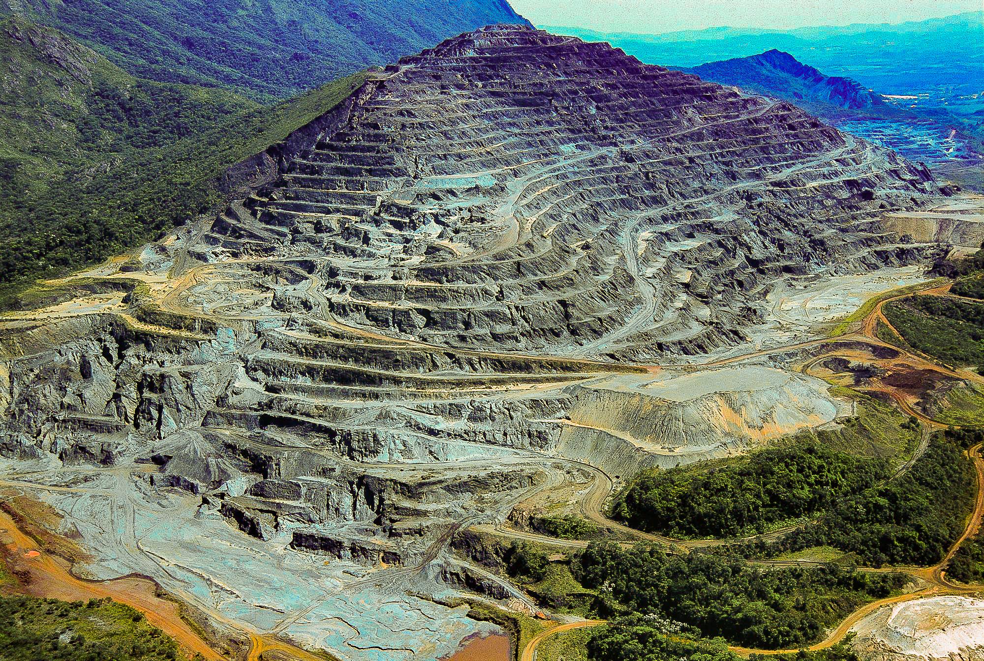 Deslocamento vertical em minas pode chegar aos 400 m em locais como a Serra dos Carajás (PA)