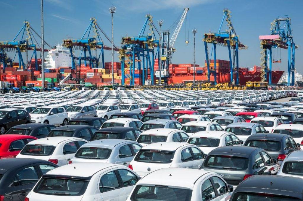 Deputados e entidades discutem legalização da importação de carros usados