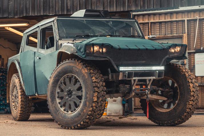 Este jipão 4×4 híbrido roda até 7.000 km sem precisar reabastecer