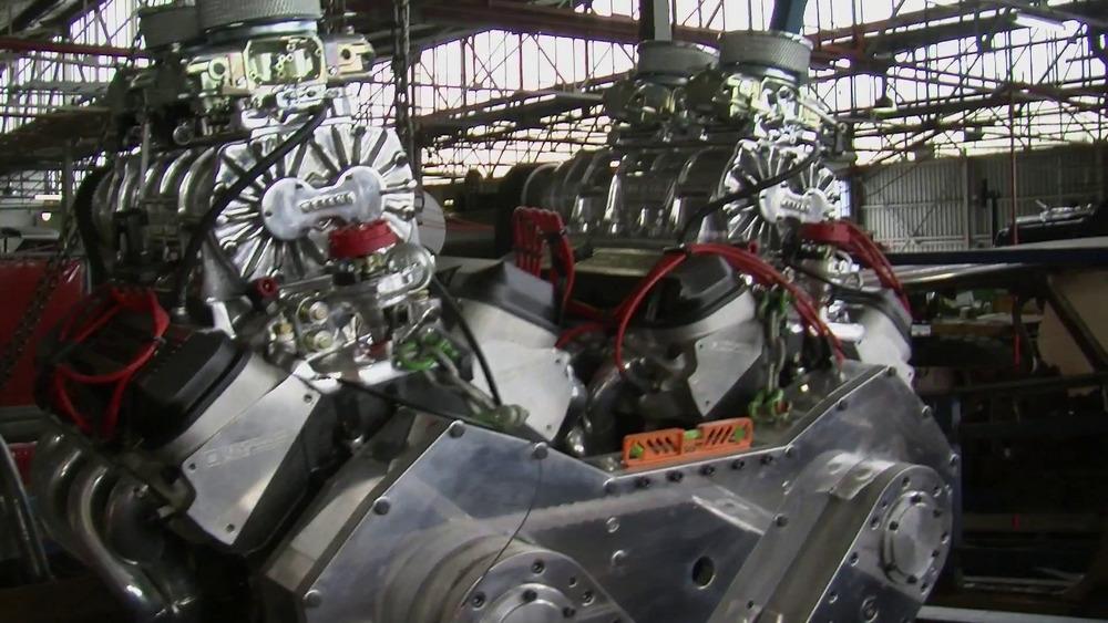 Motores V8 viraram um único e imenso W16 à la Bugatti
