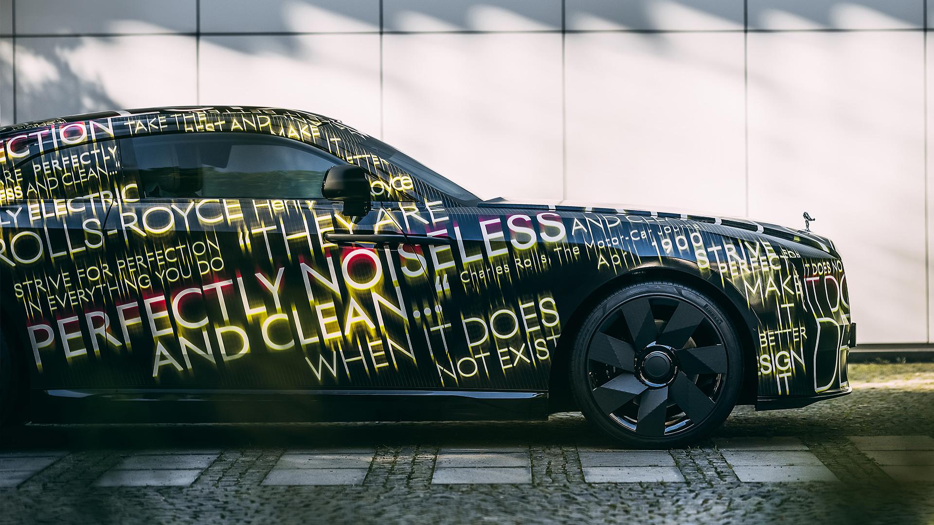 lateral Rolls-Royce spectre
