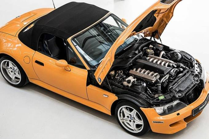 capa BMW V12