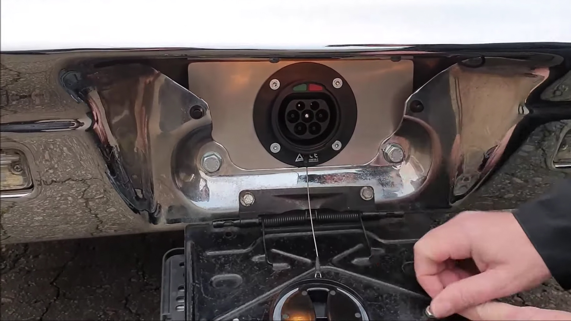 plug de carregamento impala tesla