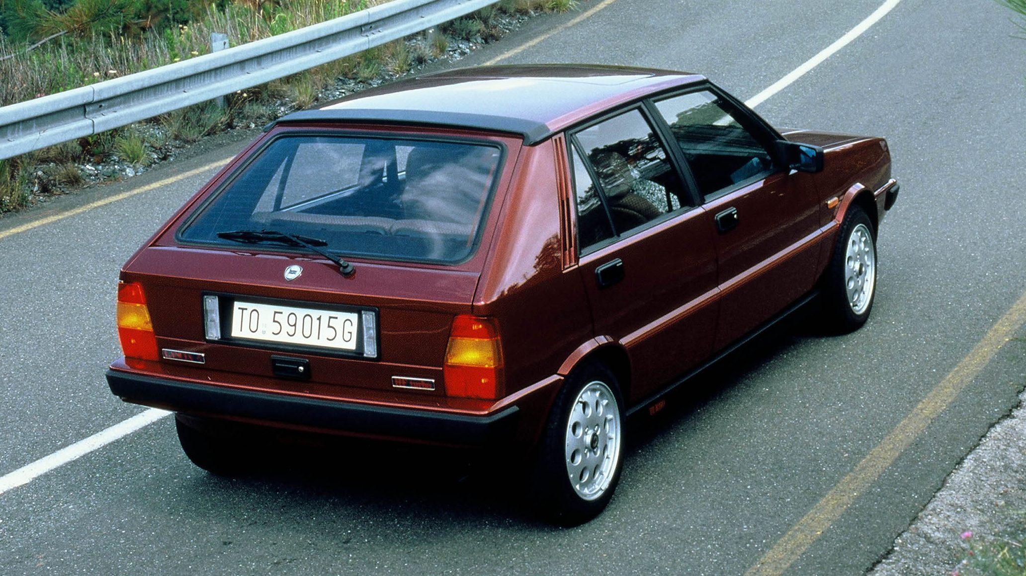 traseira Lancia Delta